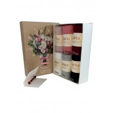 На фото 1 - Женский подарочный набор ароматизированных носков в коробке с сюрпризом