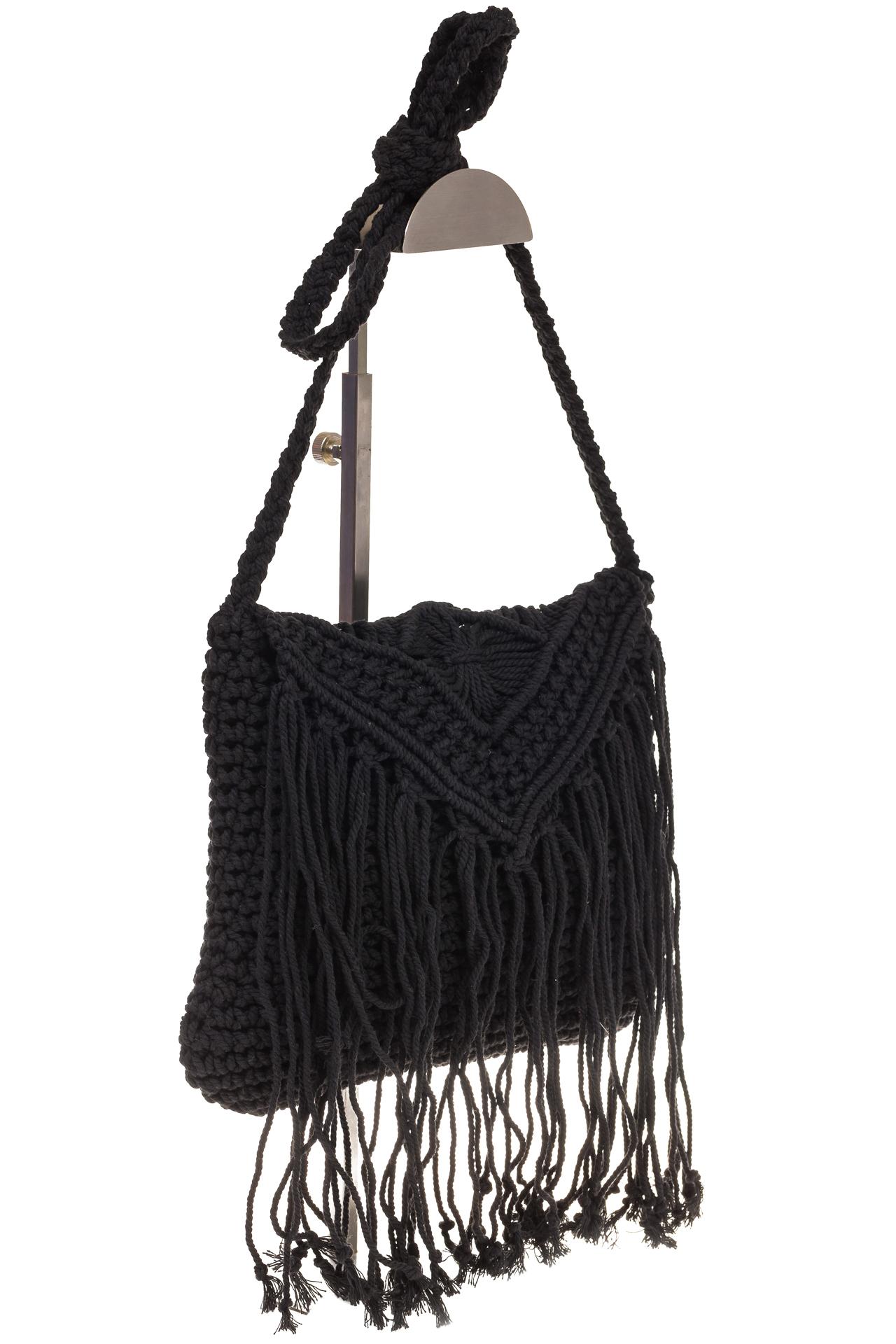 на фото Плетеная сумка-макраме черного цвета LA-1618