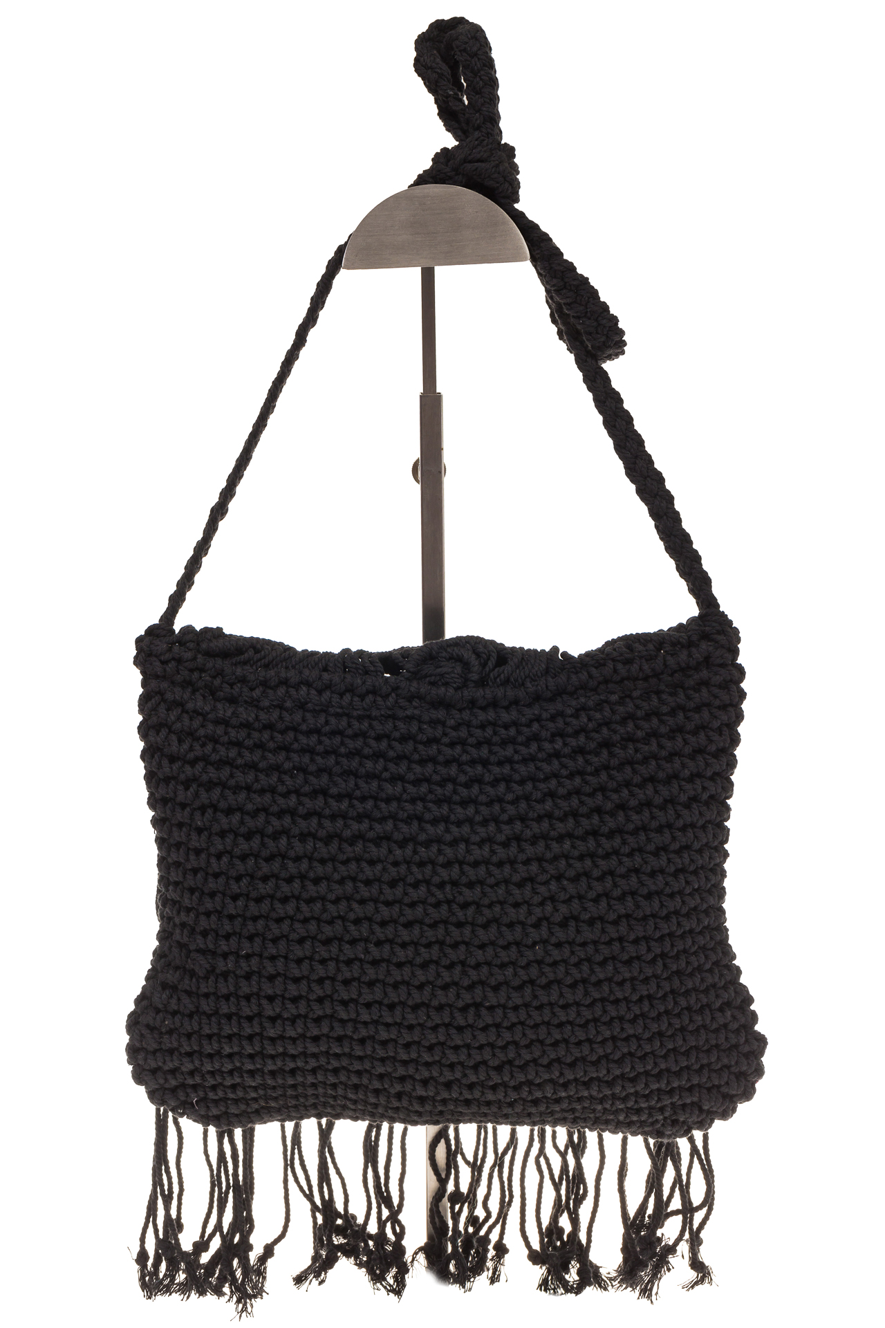 На фото 3 - Плетеная сумка-макраме черного цвета LA-1618