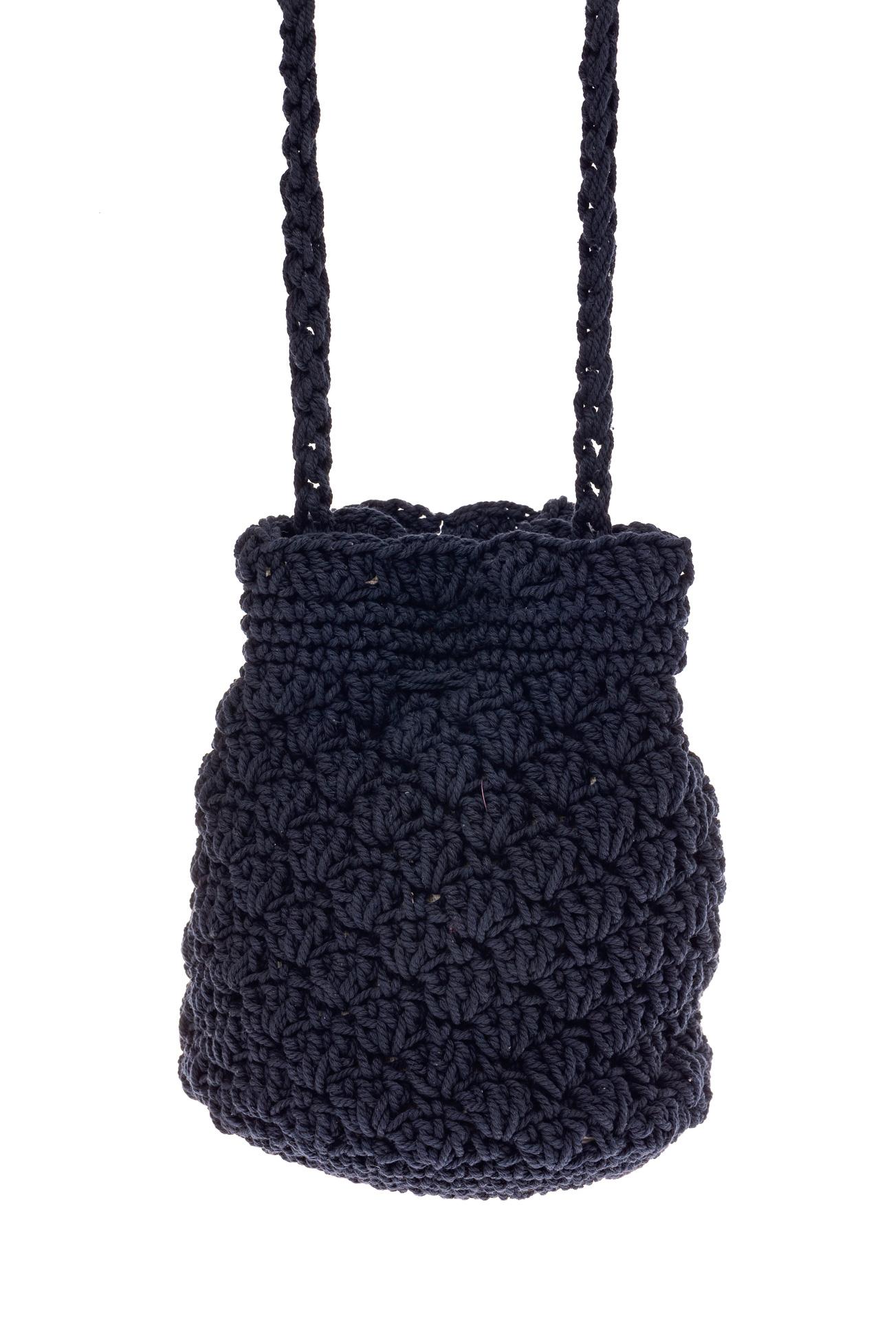 На фото 2 - Плетеная сумочка-торба из джута, цвет синий