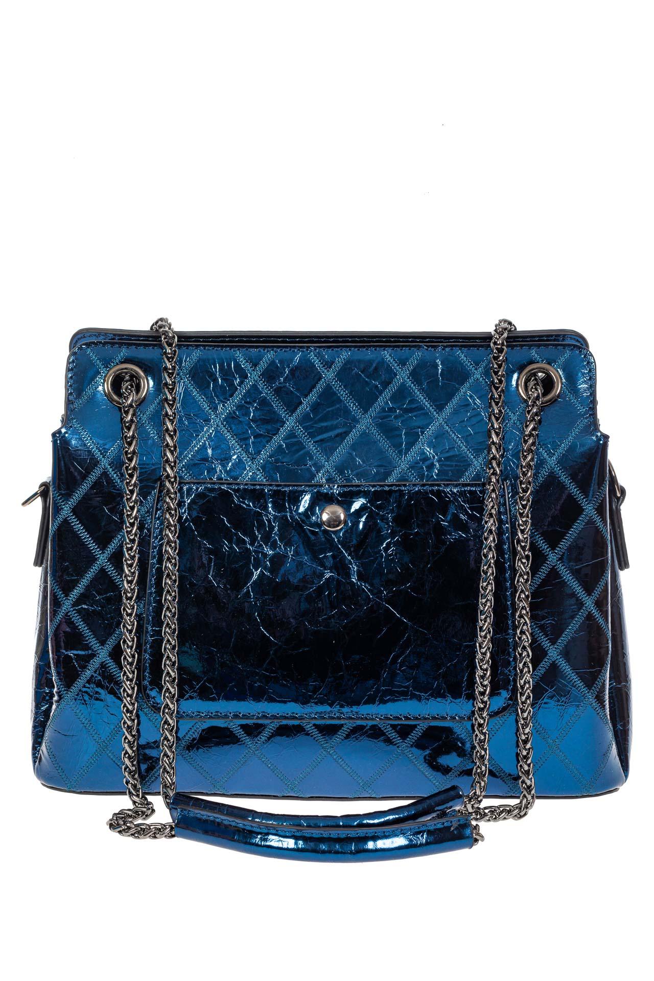 На фото 3 - Стёганая лаковая сумка из натуральной кожи, цвет синий металлик