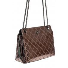 На фото 1 - Стёганая лаковая сумка из натуральной кожи, цвет тёмное серебро
