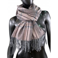 На фото 1 - Клетчатый шарф-палантин из вискозы и шерсти в серых и розовых оттенках