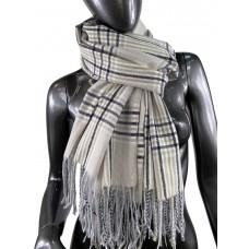 На фото 1 - Клетчатый шарф-палантин из вискозы и шерсти в серо-бежевых оттенках