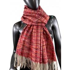 На фото 1 - Клетчатый шарф-палантин из вискозы и шерсти, цвет рубиновый с разноцветными нитями