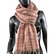 На фото 1 - Клетчатый шарф-палантин из вискозы и шерсти, цвет розовый с разноцветными нитями