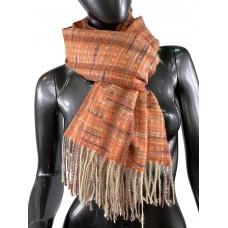 На фото 1 - Клетчатый шарф-палантин из вискозы и шерсти, цвет оранжевый с разноцветными нитями