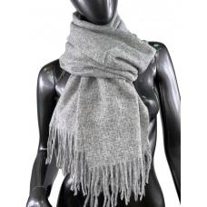 На фото 1 - Тёплый платок-палантин из шерсти и вискозы, цвет серый с белым