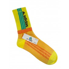 На фото 1 - Спортивные высокие носки с принтом, цвет жёлтый