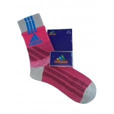 На фото 1 - Высокие спортивные носки c принтом, цвет ярко-розовый