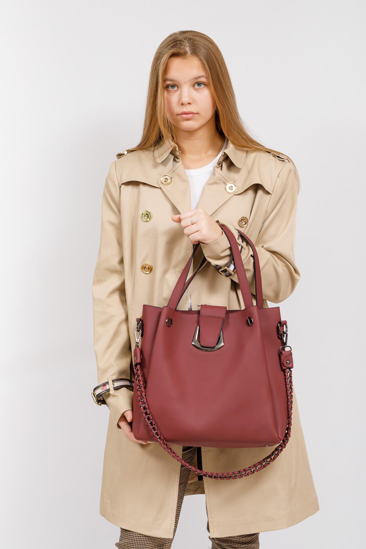 На фото 5 - Сумка-мешок женская из искусственной кожи, цвет бордо