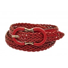 На фото 1 - Ремень кожаный женский плетеный, цвет красный