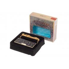 На фото 2 - Губная помада в виде сумочки, цвет черный, оттенок №507