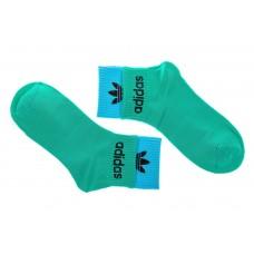 На фото 1 - Носки  с принтом, цвет зеленый