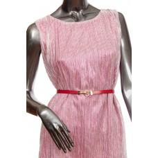 На фото 1 - Узкий кожаный женский ремень из натуральной кожи, цвет красный