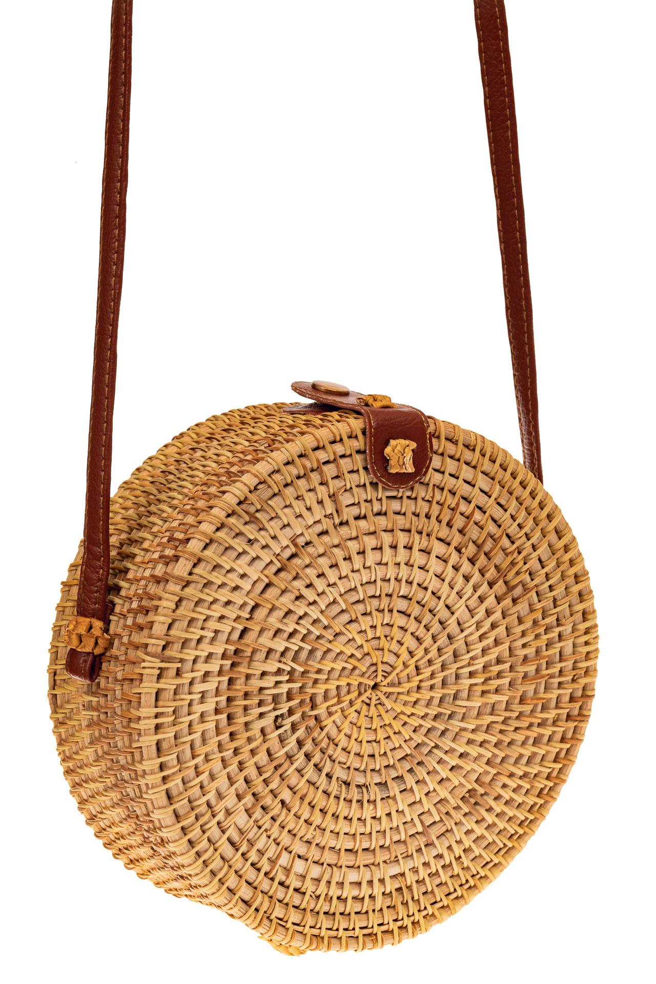На фото 1 - Круглая сумка-коробочка из соломы, цвет крафт