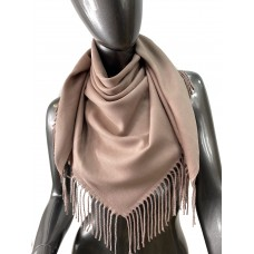 На фото 1 - Мягкий платок из хлопка, цвет пудра