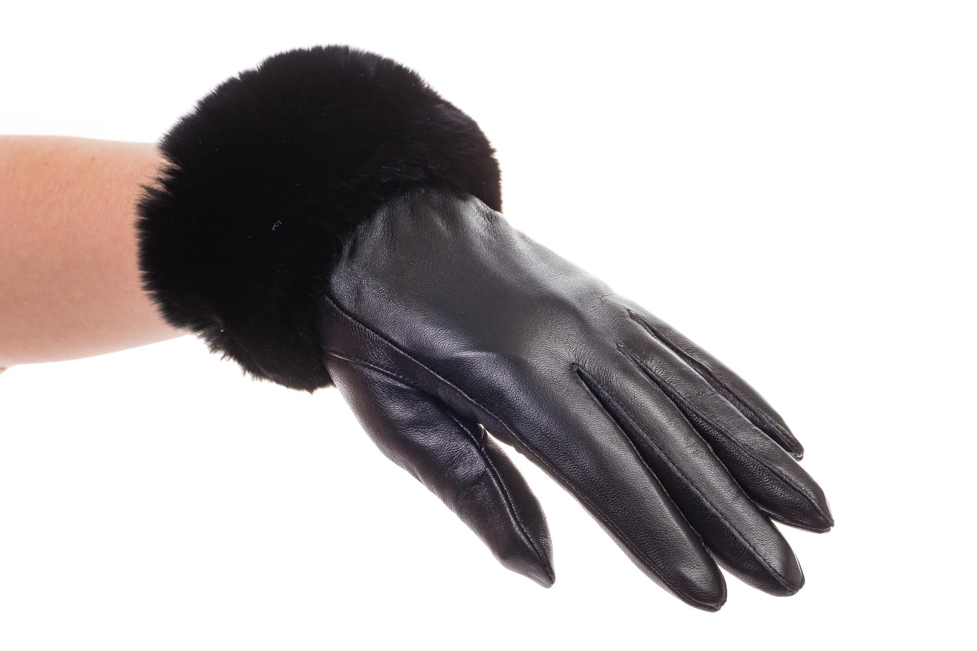 На фото 1 - Кожаные перчатки с манжетой из меха