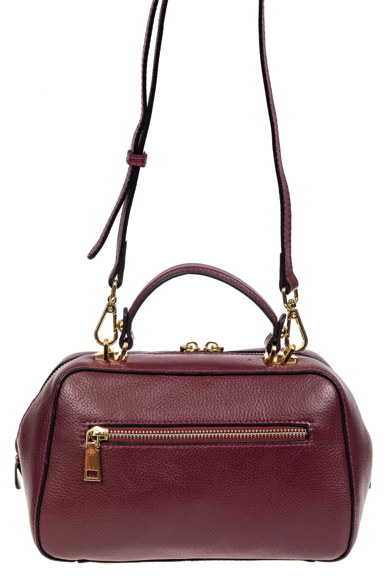 На фото 3 - Мягкая кожаная женская сумка на каждый день, цвет фиолетовый с розовым