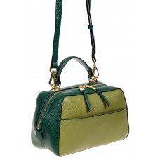 На фото 1 - Мягкая кожаная женская сумка на каждый день, цвет зеленый с оливковым