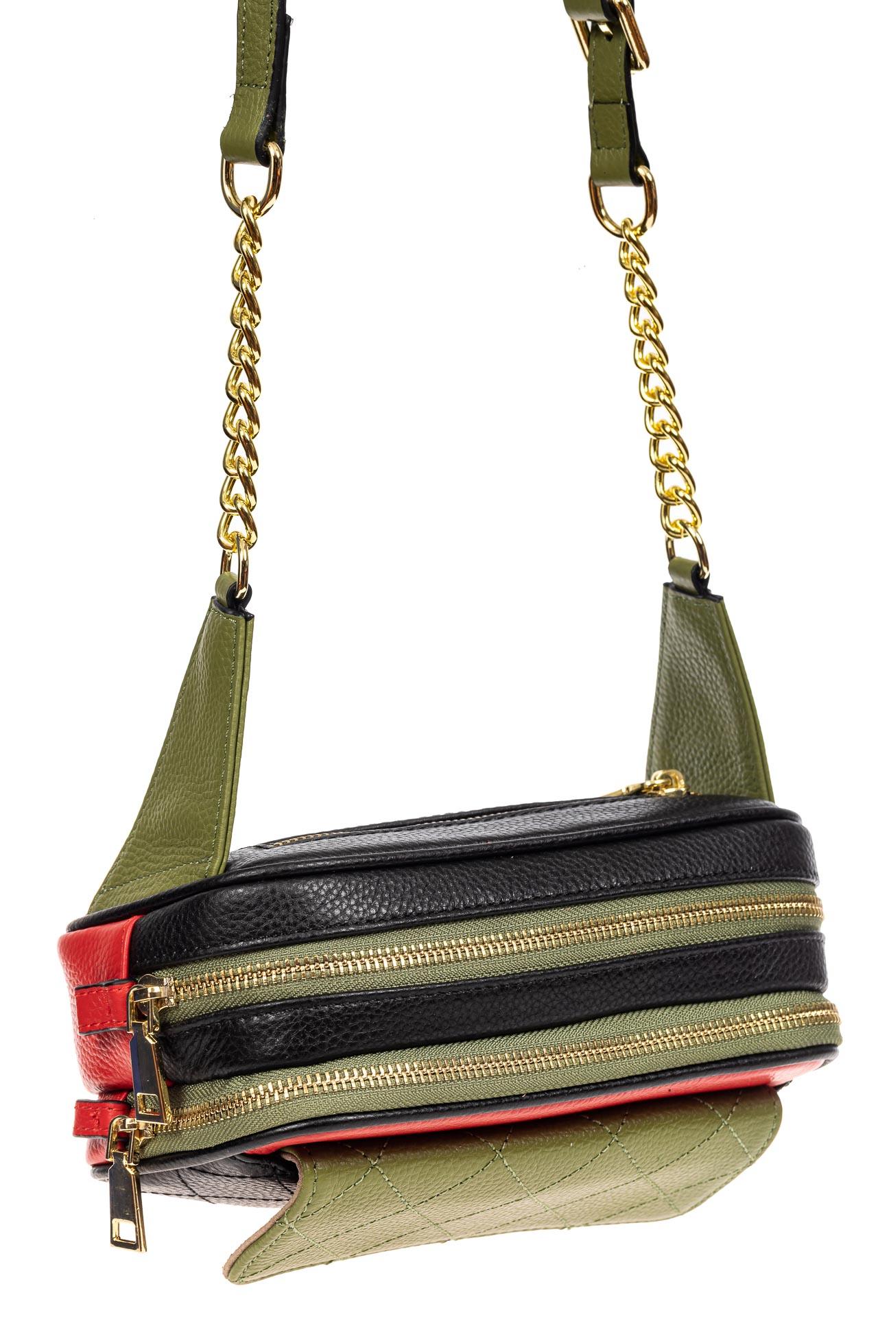 На фото 4 - Женская сумка кросс-боди, черная с зеленым