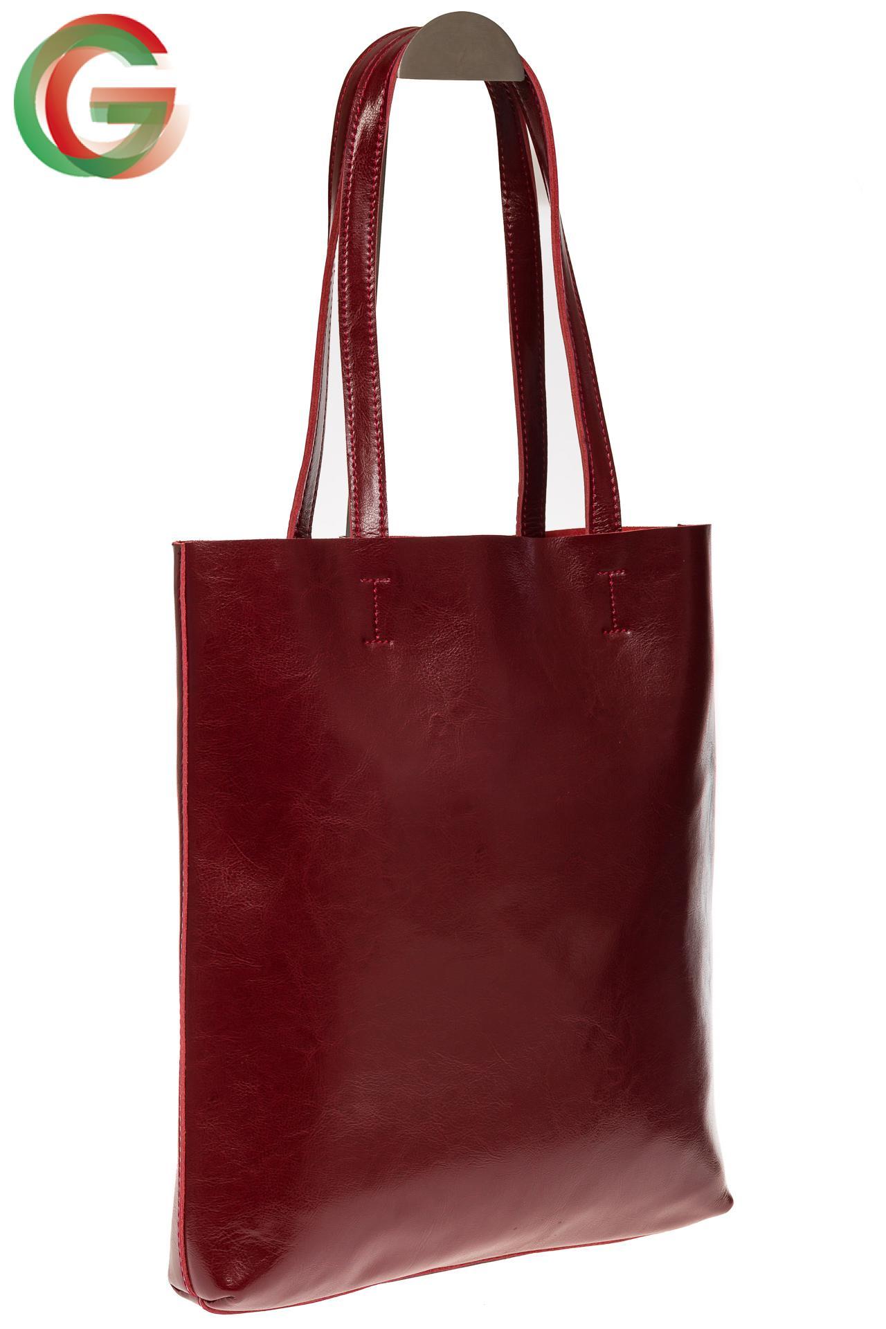 07e246ab6f73 Кожа, пластик и камни – из чего делают модные сумки-пакеты